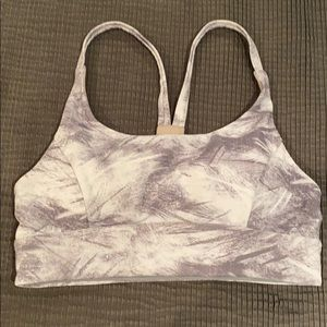Lululemon Gray and White Sports Bra Size 4